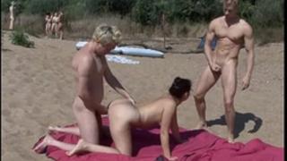 Nude beach swingers at nudebeachdreams.com
